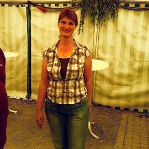Frau Grass hat die Tradition des Kahlgrunder Handkäsfestes von ihrem Vater übernommen.